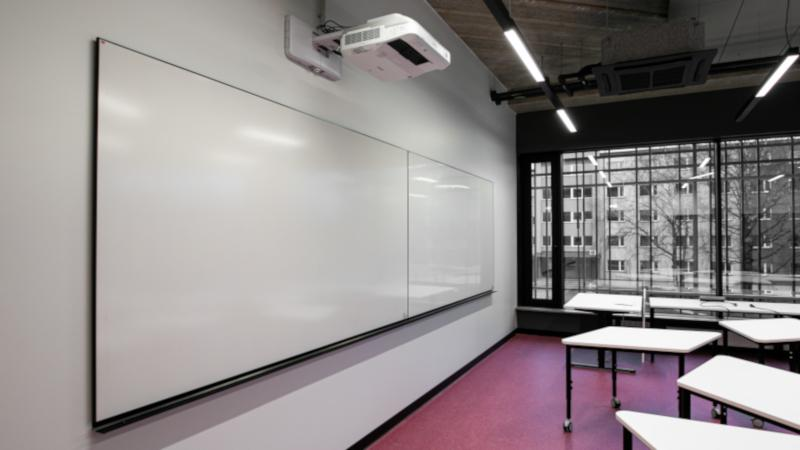 Ultra Whiteboard, black trim